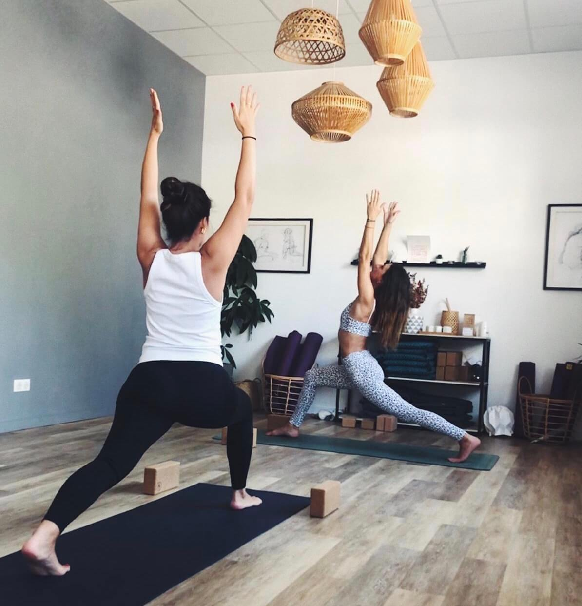 cours de yoga vinyasa